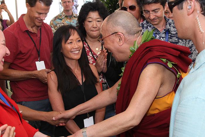 Heidi Chang meets the Dalai Lama in Hawaii | Photo © Eye of the Islands Photography