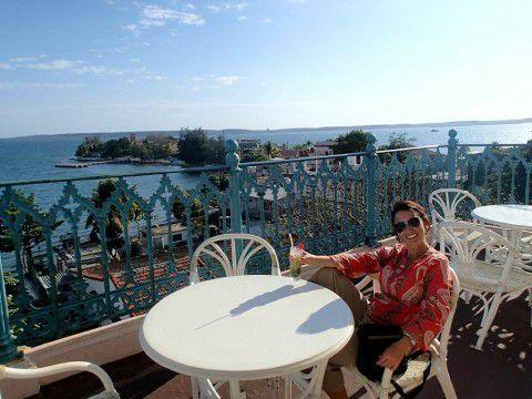 Enjoying_a_mojito_Cienfuegos_Cuba_Heidi_Siefkas