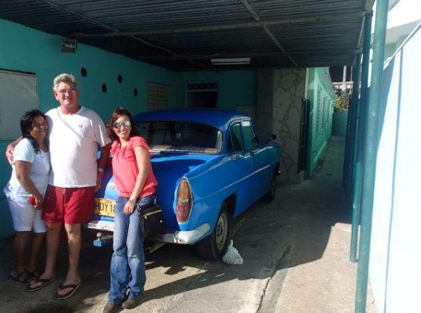Author_Heidi_Siefkas_and_Casa_particular_owners_in_Havana_Cuba