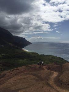 Kalalau_Trail_Red_Hill_approching_beach_Kauai