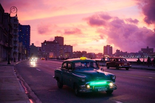 havana-classic-Car-2151324_640