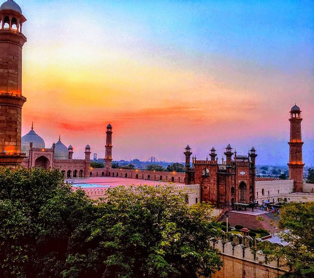 All you need to know while backpacking to Lahore