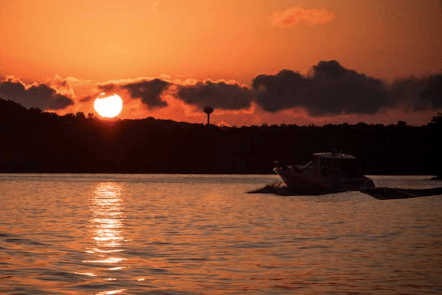 Wining, Dining and Cruising – Lake of the Ozarks, Missouri