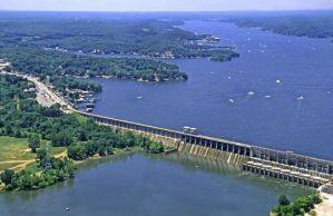 Bagnell_Dam_Lake_of_the_Ozarks_Missouri