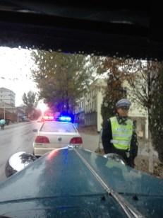 Wir werden mal wieder angehalten, aber nur weil die Polizei sich das Auto ansehen möchte.