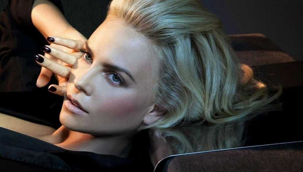 Charlize theron height weight and body measurements charlize therons height dp voltagebd Choice Image
