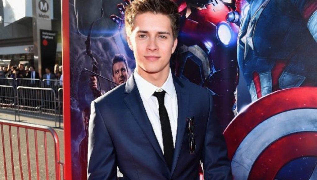Billy Unger height, weight,gay or married