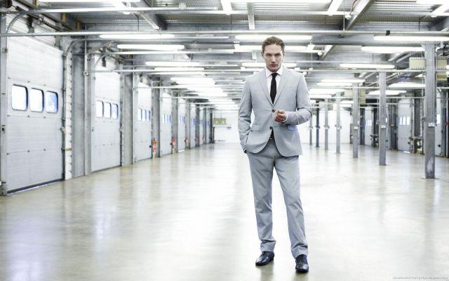 Tom Hardy's height 9