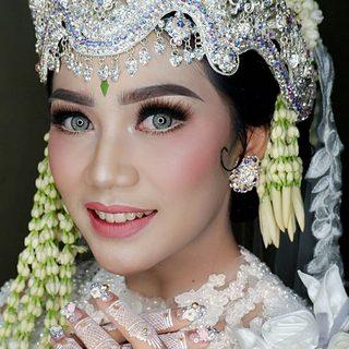 rias pengantin jombang - larasati brides
