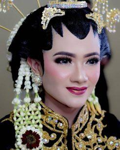 rias pengantin purwakarta,riasan pengantin purwakarta,rias pengantin di purwakarta,rias pengantin plered purwakarta,paket rias pengantin purwakarta,harga paket rias pengantin purwakarta,rias pengantin muslimah di purwakarta,rias pengantin yang bagus di purwakarta,salon rias pengantin di purwakarta,kursus rias pengantin di purwakarta