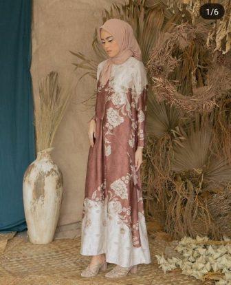Kain Satin Motif untuk baju pendamping pengantin
