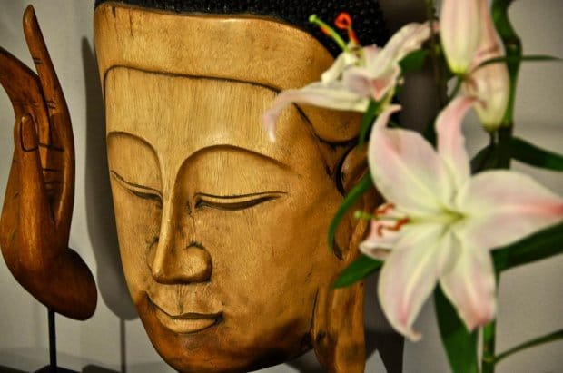 Buddha im Behandlungsraum von Heilpraktiker Köln Benedikt van Almsick