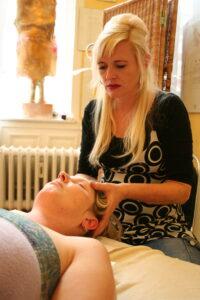 Entspannung durch Massage, die Kust der berührung bei Heilpraktiker Doris Seedorf Bremen