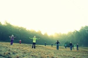 Spirituelles heilseminar füpr Frauen in Steyerberg, mitten in der natur mit Erdheilungsritualen.