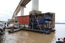 goldwaschanlageweitere Camions zum auspacken rollen an