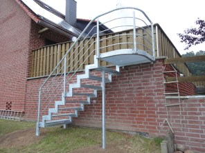 Außentreppe Stahl außentreppen aus stahl heira vertrieb