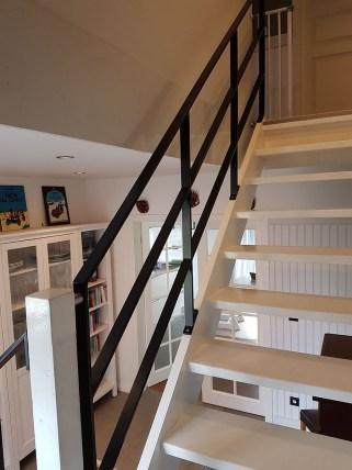 Stahlgeländer, Treppengeländer mit drei Gurten