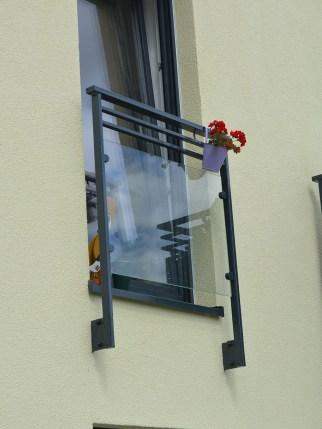 Stahlgeländer mit VSG Glasfüllung, pulverbeschichtet, Polen
