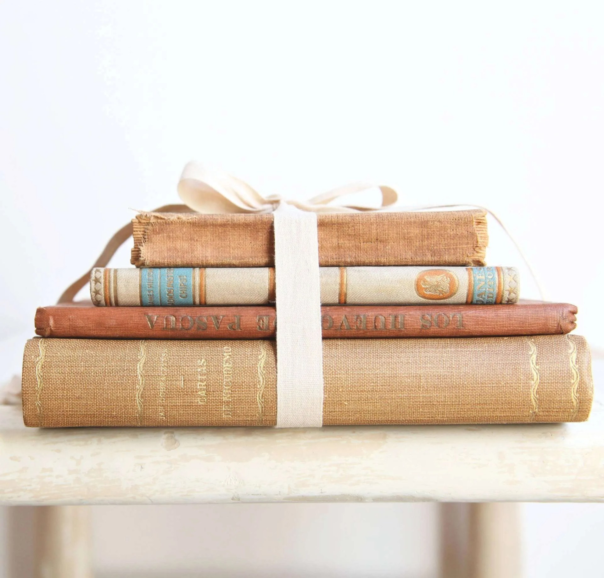 Decorating with Antiques: Old books