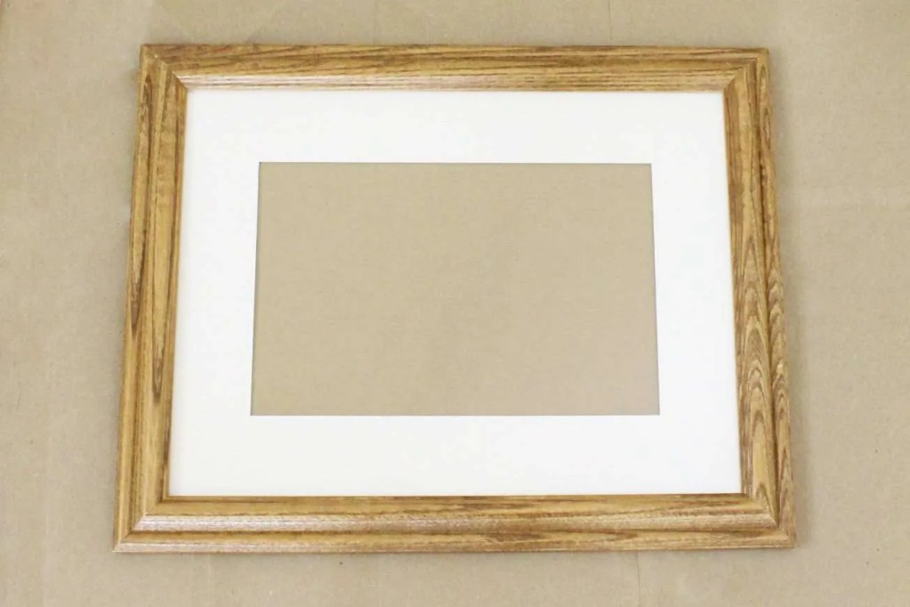 transform an old wooden frame