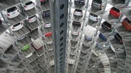 Auto, E-Auto, Lagerhalle, VW