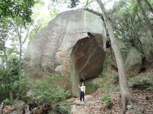 岩ケ谷の天狗岩