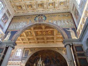 サン・パオロ大聖堂内部