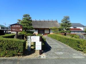 篠山藩主青山家の長屋門