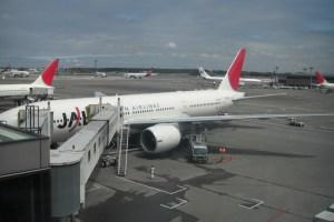日本航空749便にてインドのデリーへ