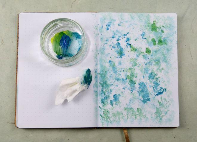Getupfter Hintergrund fürs Art Journal mit Papiertaschentuch