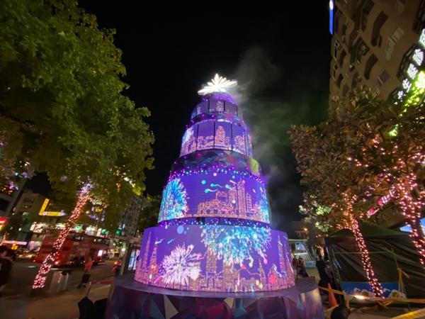台北市耶誕城2019 XMAS Burger主燈