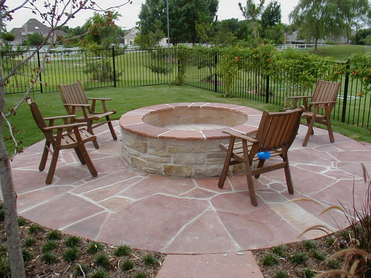 Backyard Landscaping Ideas With Concrete Firepit On ... on Backyard Patio With Firepit id=46268
