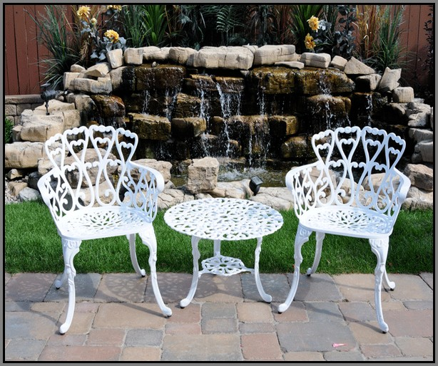 white cast aluminium garden furniture