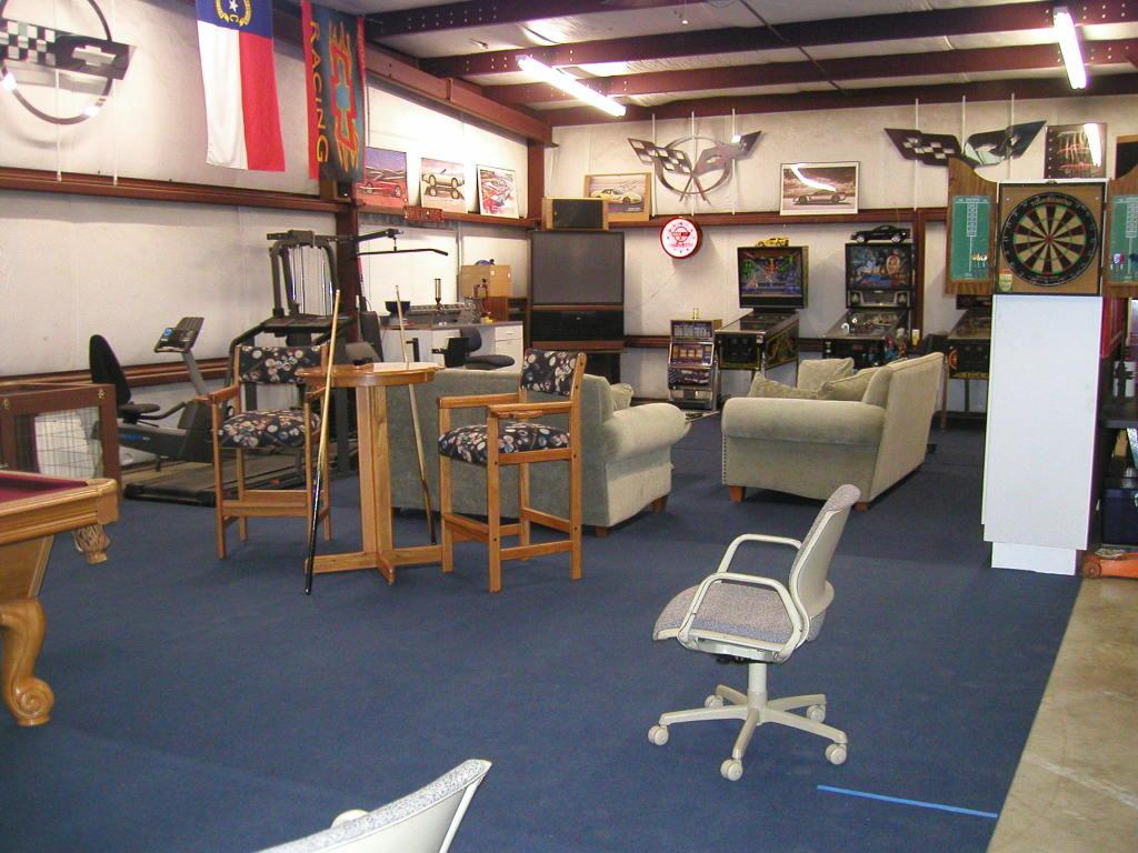 Hot Rod Garage Decor Ideas - Helda Site; Furnitures & Home ... on Garage Decorating Ideas  id=16366