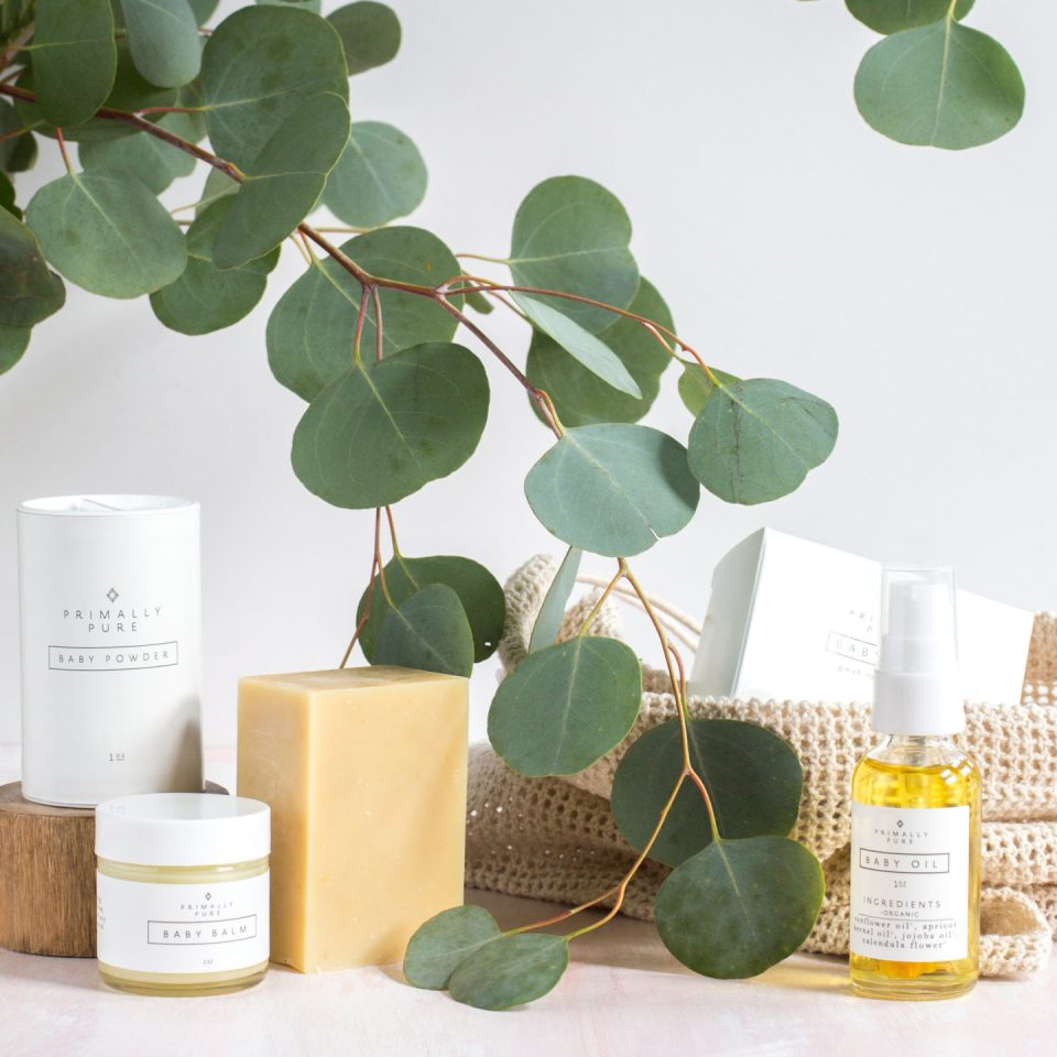 Newborn, family and children's photographer, Helena Woods, shares the BEST All Natural Non-Toxic Skincare Products for Pregnant Moms Primally Pure