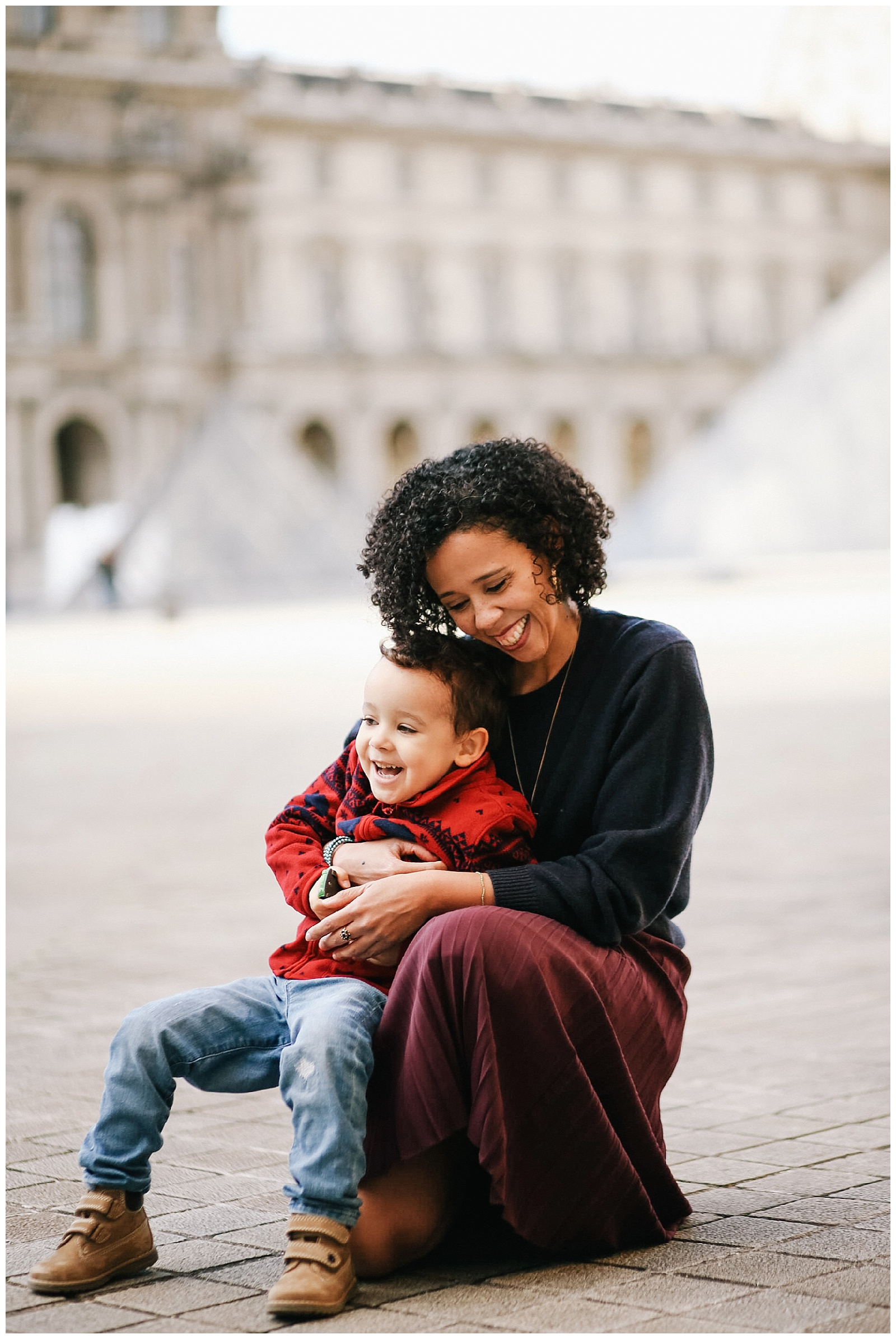 family vacation photos at the louvre in Paris France photographed by Helena Woods Photography