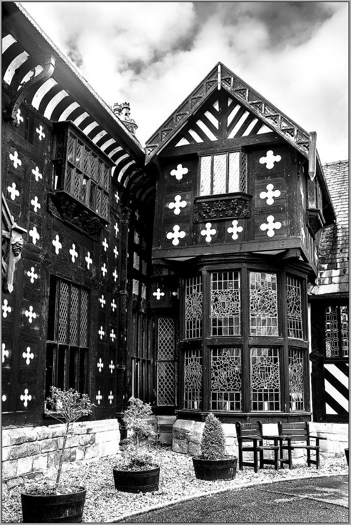 Samlesbury Hall haunted house
