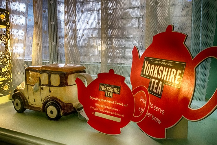 Yorkshire Tea tearoom teashop teapot net curtain