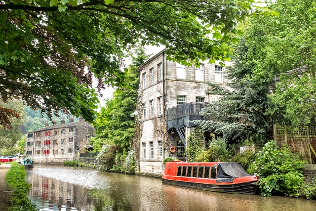 RED Barge Rochdale Canal hebden Bridge