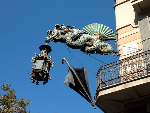 A Dragon, a Lamp and an UmbrellaBarcelona Factory former