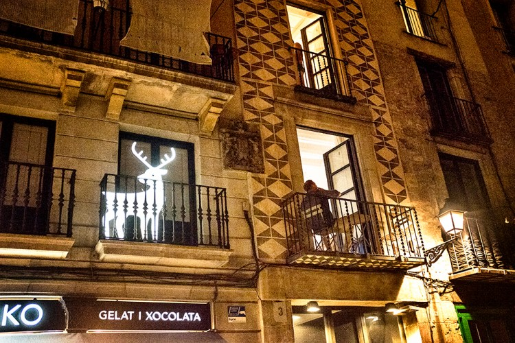 Luminous Luminous Reindeer humour Barcelona Gothic Quarter