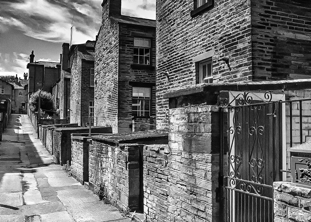 Ginnel in Saltaire alley Victorian architecture monochrome lane