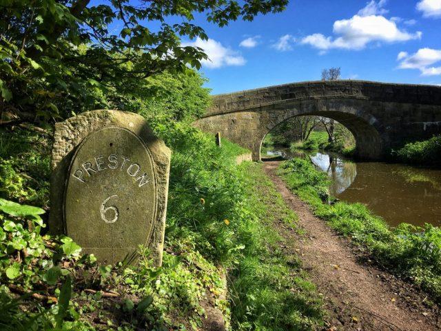 Bridge 27 lancaster Canal towpath walk