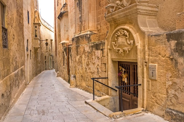 Mdina: Church Door malta Silent City