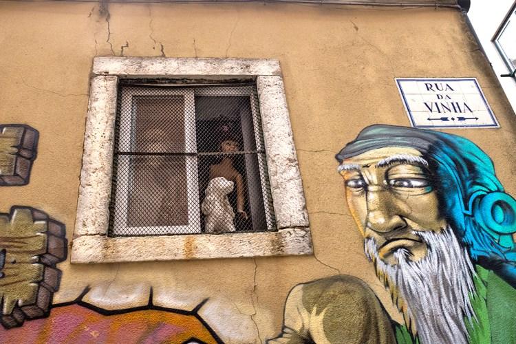 Grafitti, Lisbon, oddball, humour