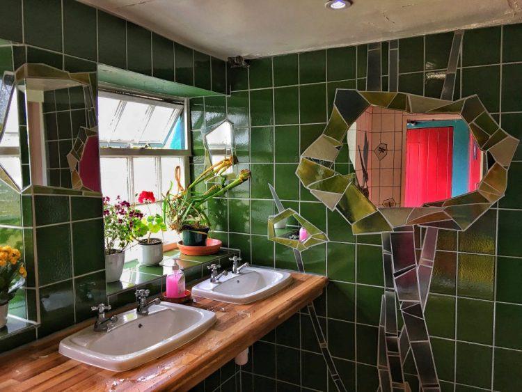 BRANTWOOD: Wash-hand Basins Toilet dragonfly