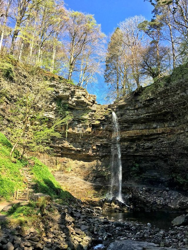 Hardraw Scar Fall Yorkshire Dales Smile on saturday