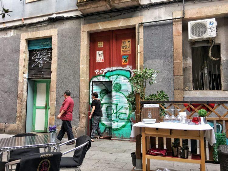 BARCELONA: AFRODITA RESTAURANT Gothic Quarter doors
