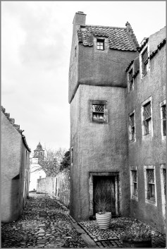 HOUSES, Monochrome,Culross,