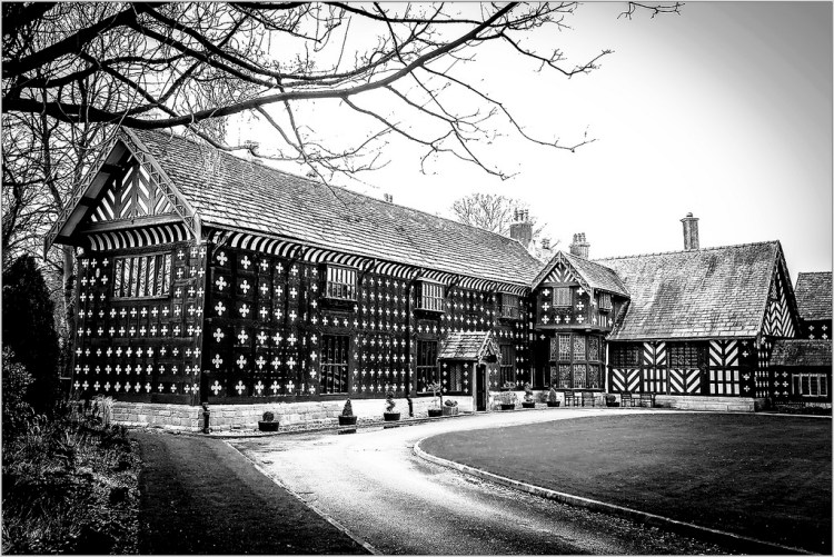 HOUSES:Salmesbury Hall, monochrome